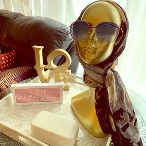 Marc Jacobs sunglasses 🕶